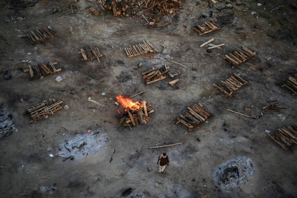 IND: Mass Cremations Continue During India's Covid-19 Crisis