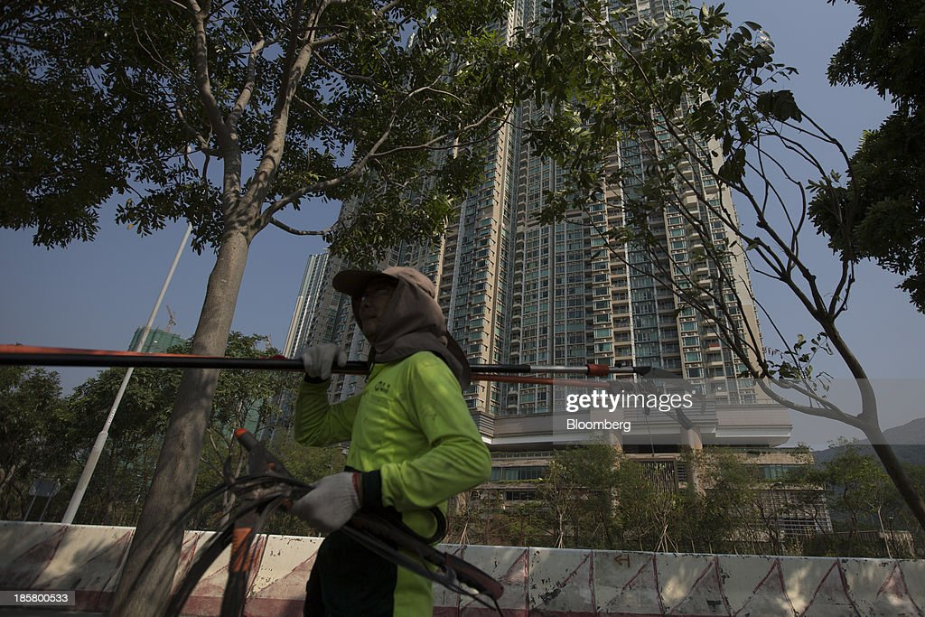 Views Of Cheung Kong Holdings Ltd. Residential Property Development As Private Housing Supply Numbers Are Released : News Photo