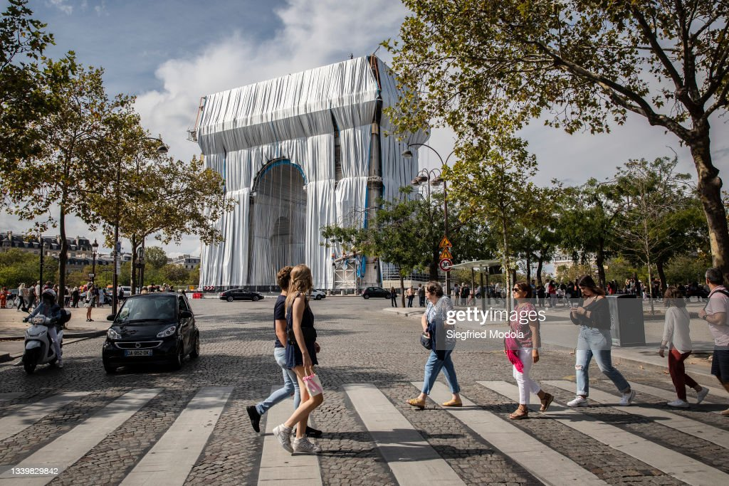 Arc De Triomphe To Be Wrapped For Posthumous Work By Artist Christo : News Photo