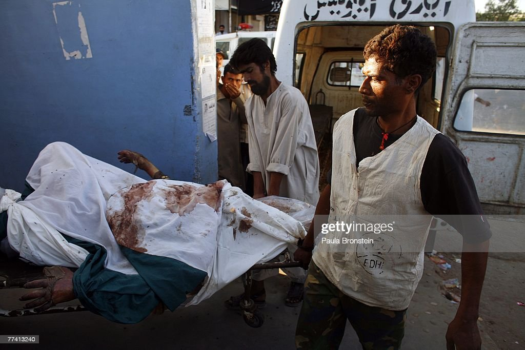 Karachi Recovers From Deadly Blasts : News Photo