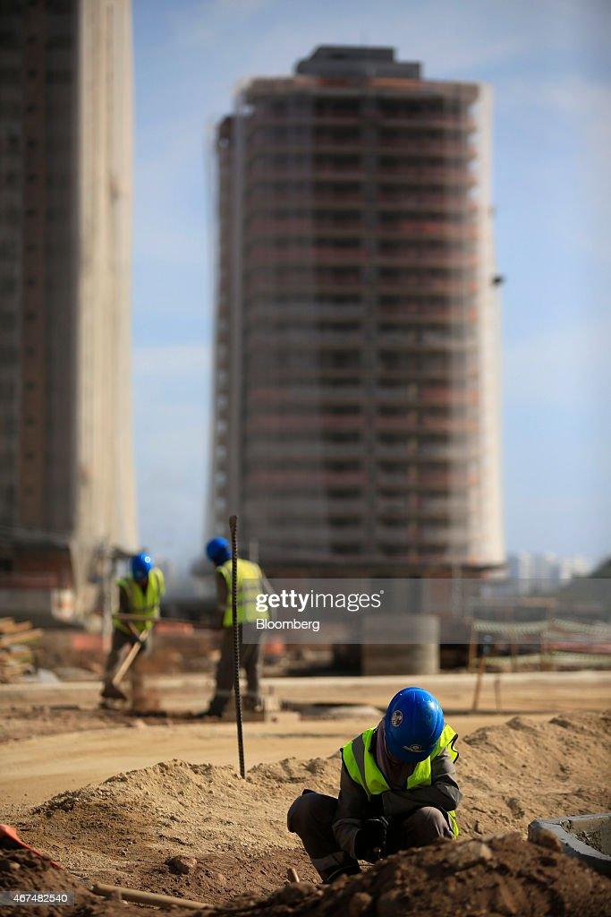 Luxury Condominium Construction At Rio\'s Ilha Pura Olympic Village ...