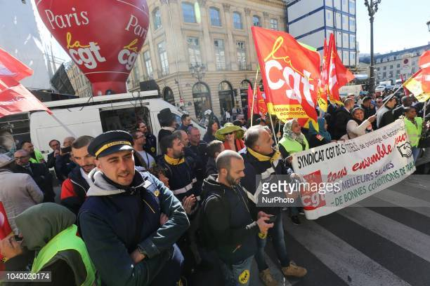 Workers from the Park Hyatt Vendôme Hôtel and others luxury hotels in Paris demonstrate in front of the hotel on September 25 2018 in Paris place...
