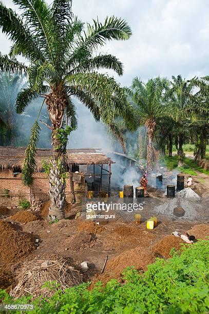 Arbeitnehmer in einem palm oil production – Burundi