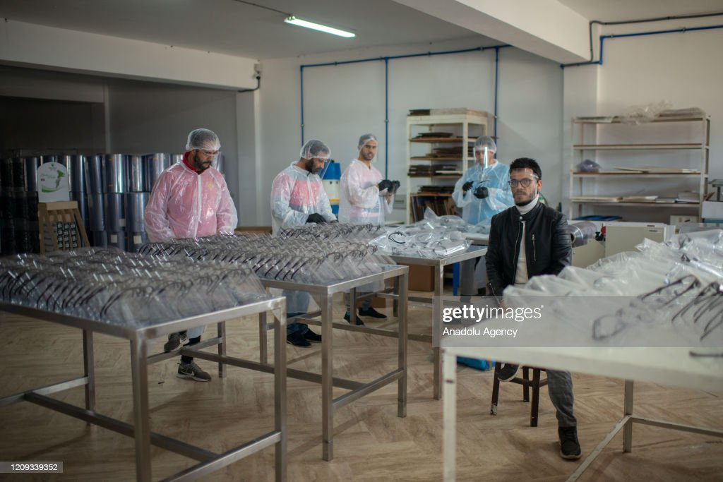 Bakery supply manufacturer turned into mask manufacturer in Morocco : Nyhetsfoto