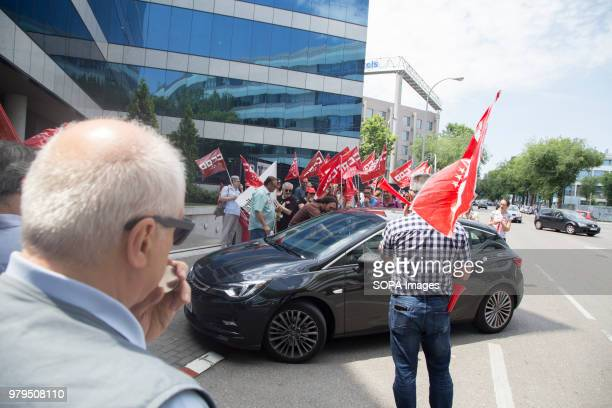 Workers inform a coworker of the demands of the union Workers protest against the sanctions put by The Human Resources Management of the KANTAR Group...