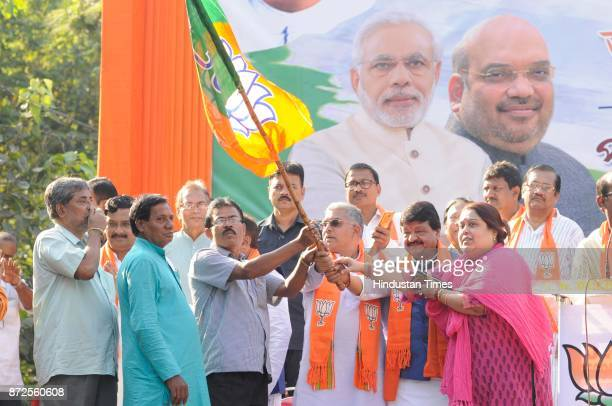 TMC workers joined BJP during Mukul Roy's first public meeting at Esplanade on November 10 2017 in Kolkata India BJP leaders Rahul Sinha Dilip Ghosh...