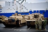bremerhaven germany workers load us army