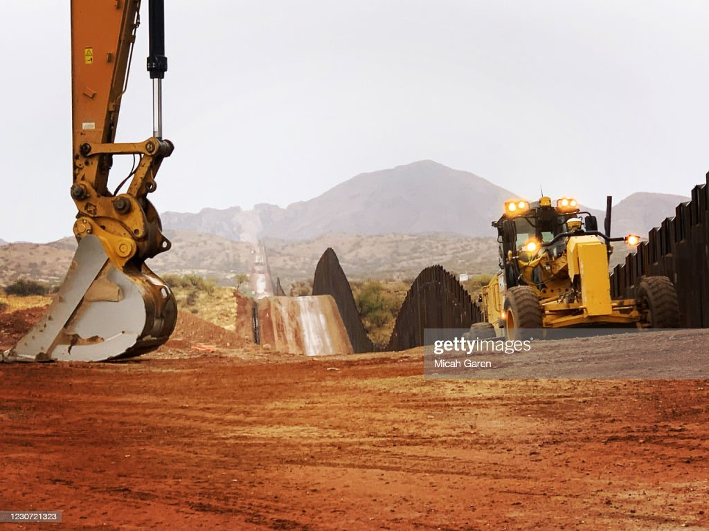 Border Wall Construction Continues In Arizona : News Photo