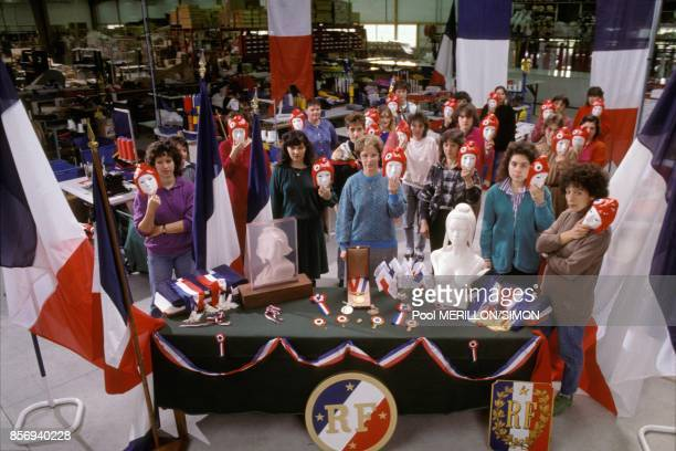 Workers of the Festa company where busts of Marianne symbol of the French Republic for French town halls are produced in January 1989 in Beaugency...