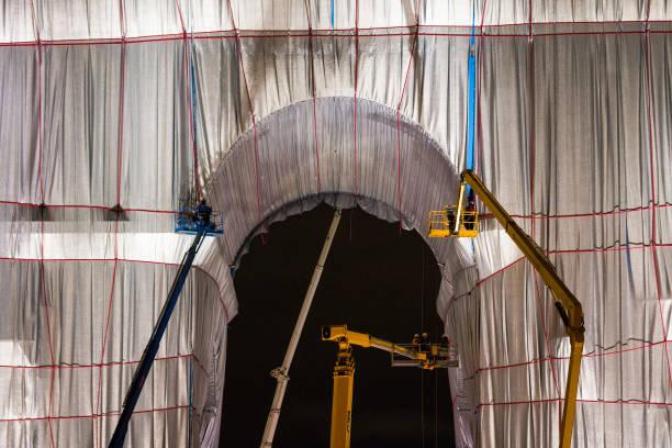 FRA: Christo's Wrapped Arc de Triomphe