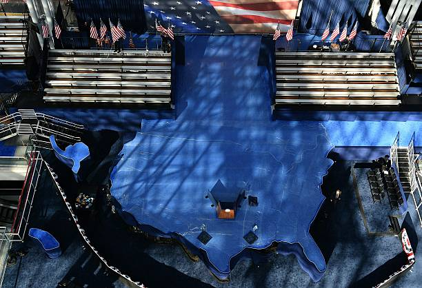 Workers put final touches to prepare the United States map shaped ...