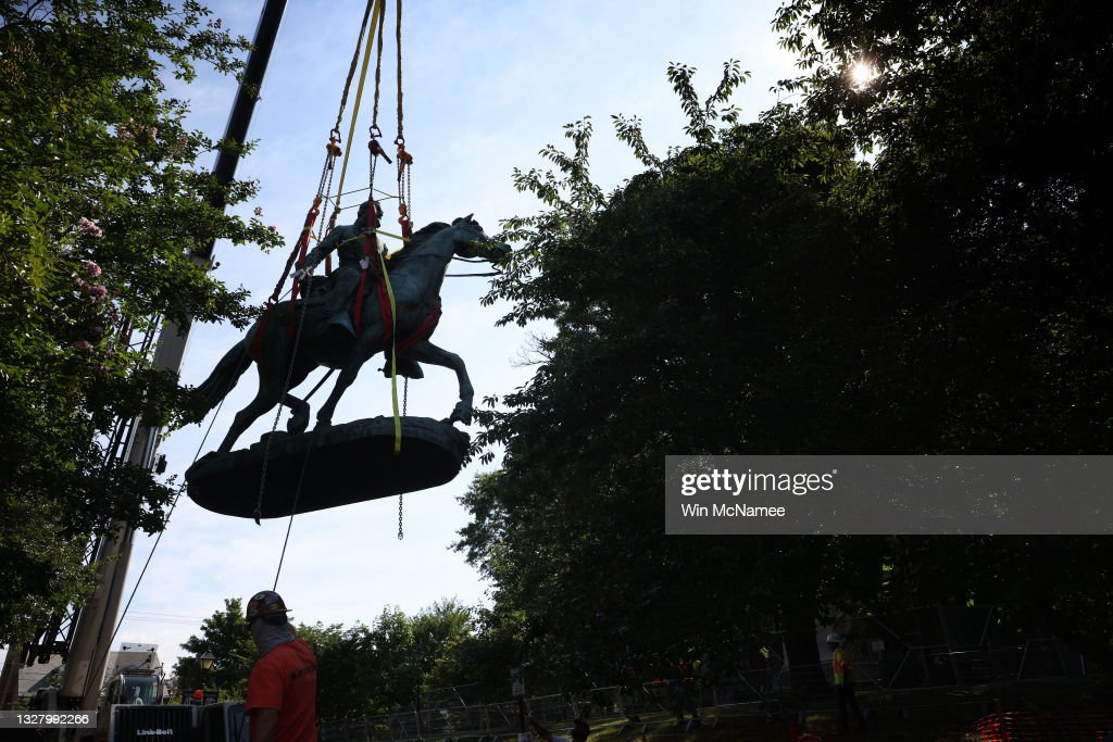 City Of Charlottesville, Virginia Removes Its Confederate Era Statues : News Photo