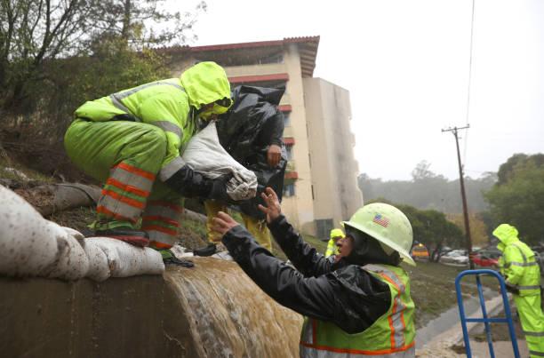 "USA: ""Bomb Cyclone"" Brings Heavy Precipitation To Northwest United States"
