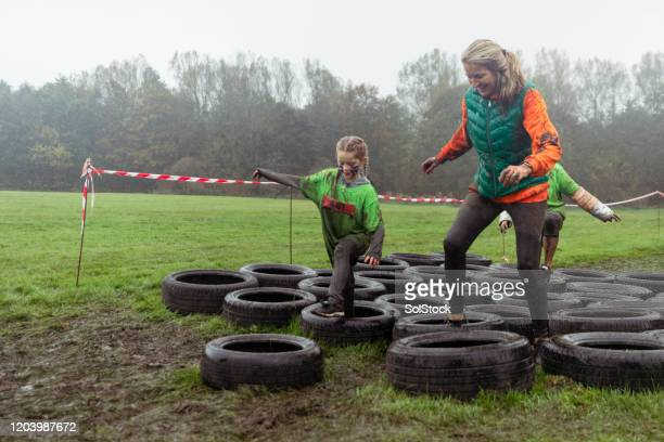 working as a team - endurance race stock pictures, royalty-free photos & images
