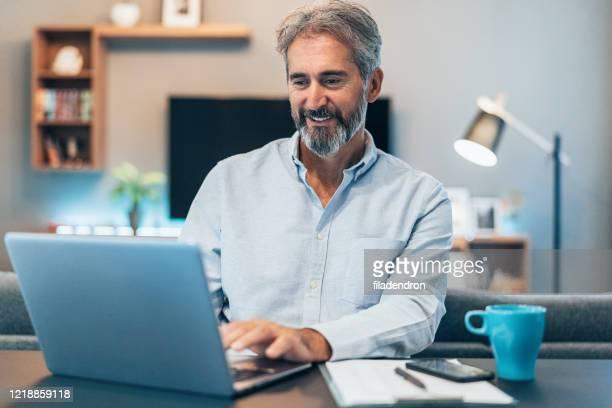 trabalhando em casa - computer - fotografias e filmes do acervo