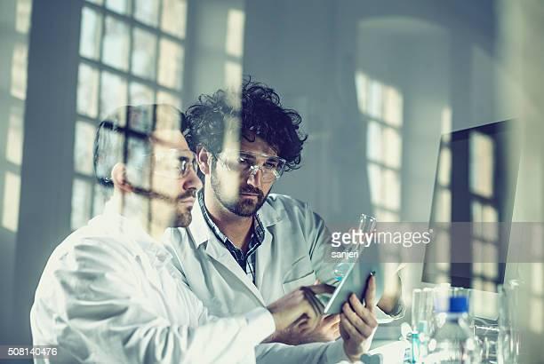 Trabalhar no Laboratório de ciências
