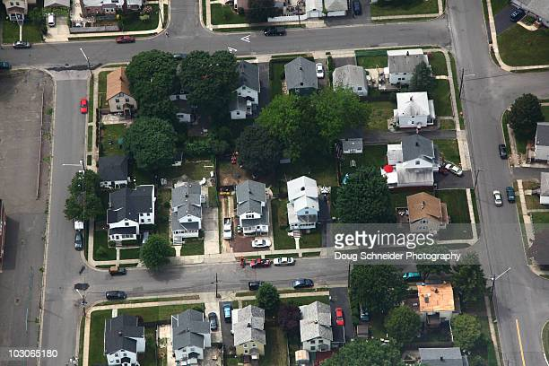 working class neighborhood aerial - edison new jersey stock pictures, royalty-free photos & images