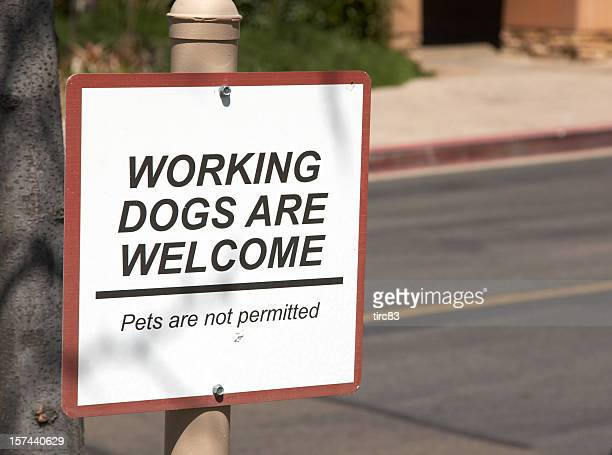 Working dogs welcome sign