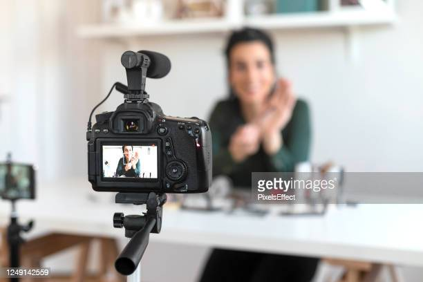 working from home has always been a pleasure - live broadcast stock pictures, royalty-free photos & images