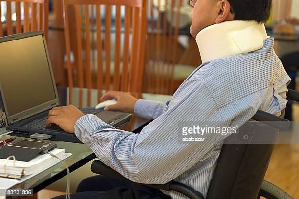 trabajar desde casa - columna vertebral humana fotografías e imágenes de stock