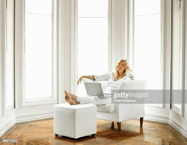 working from home - hocker stock-fotos und bilder