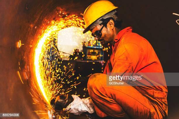 Trabajando en una fábrica