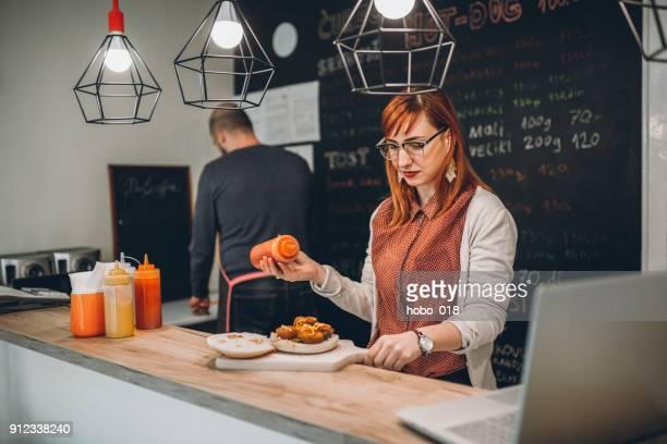 Arbeiten In der Fast-Food-Restaurant