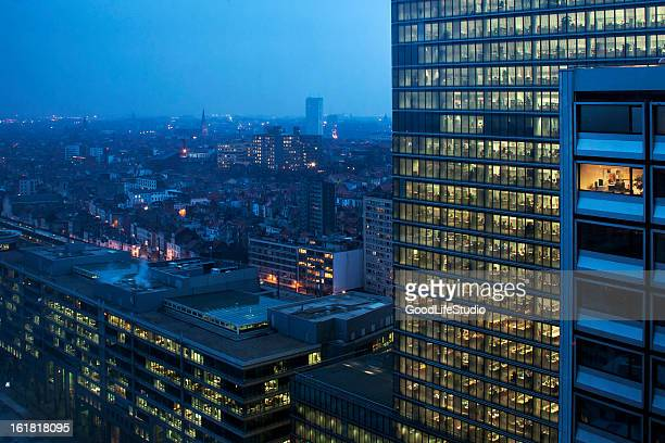 working late - brussels capital region stock pictures, royalty-free photos & images