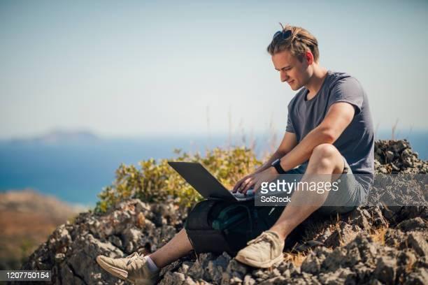 trabajando al aire libre - creta fotografías e imágenes de stock