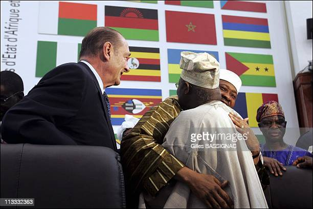 Working Session On The 2Nd Day Of The AfricanFrench Summit On December 4Th 2005 In Bamako Mali Here French President Jacques Chirac Olusegun Obasanjo...