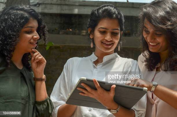 working women - india stock pictures, royalty-free photos & images