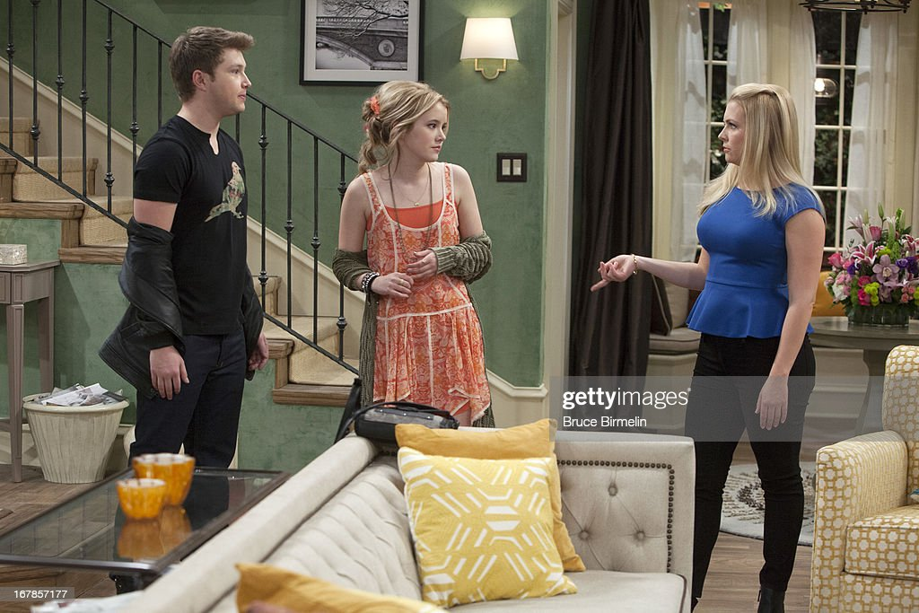 MELISSA & JOEY- 'Works For Me' - In the season three premiere of 'Melissa and Joey,' entitled 'Works for Me,' airing Wednesday, May 29th (8:00 - 8:30 PM ET/PT), Joe pursues a new job opportunity, sending Mel into a panic when she realizes he may actually leave. But the job is not quite what Joe expected, causing him to reevaluate his place in the house, and Mel scheming to prove how much everyone needs him. Meanwhile Lennox thinks her artist boyfriend Zander may have found another muse, and Ryder's class trip has an unexpected outcome. Photos by Photos by Bruce Birmelin / ABC Family Via Getty Images HART