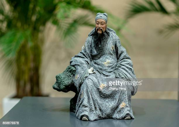Works of the inheritor of Clay Figurine Zhang 'Clay figurine Zhang' originated in the late Qing dynasty created by a folk artist named Zhang Mingshan...
