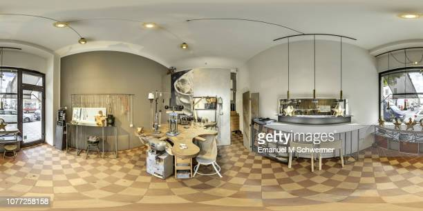 workshop of a goldsmith in munich  -  360 x 180 degree equirectangular panorama. - 宝石店 ストックフォトと画像