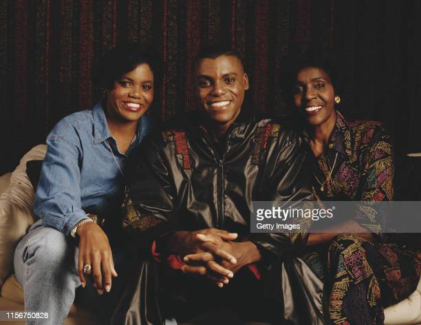 World and Olympic athletics champion Carl Lewis of the United States poses for a portrait with his sister Carol and mother Evelyn circa 1993 in Los...