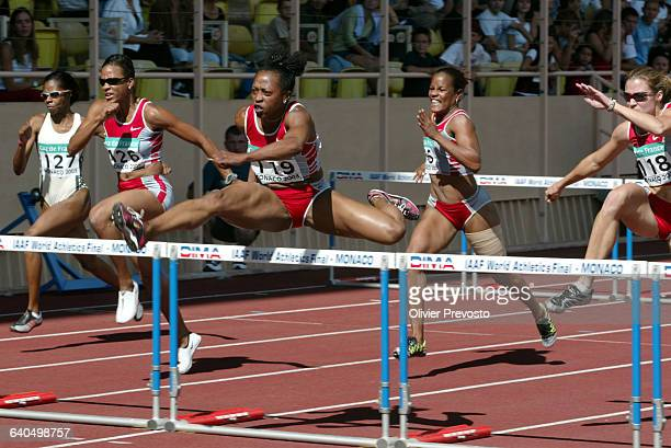 World Athletics Final 2003100 M Hurdles Women Gail Divers and Miesha Mckelvy Finale Mondiale de l'Athletisme 100 M Haies