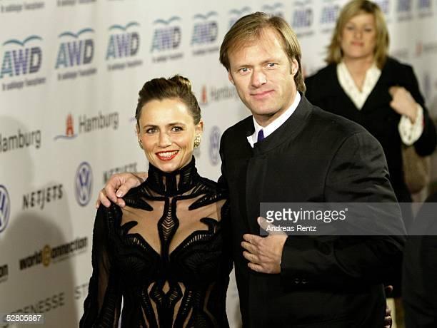 World Awards 2003 Hamburg Moderator Gerhard DELLING mit Ehefrau Isabell