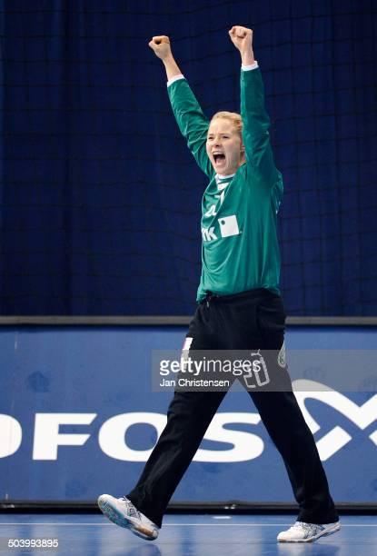 World Championships Womens Handball Serbia vs. Denmark - Keeper Rikke Vestergaard POULSEN, Danmark / Denmark jubler efter redning i starten af kampen...
