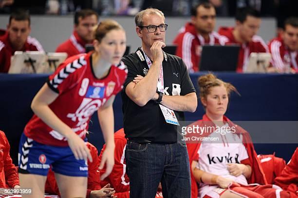 World Championships Womens Handball Serbia vs. Denmark - Landstræner / Teamcoach Jan Pytlick, Danmark / Denmark. © Jan Christensen, Frontzonesport