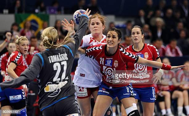 World Championships Womens Handball Serbia vs. Denmark - Mette GRAVHOLT, Danmark / Denmark - DAMNJANOVIC Sanja , Sebien. © Jan Christensen,...