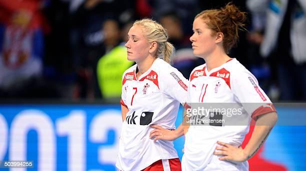 World Championships Womens Handball Serbia vs. Denmark - Skuffede danskere efter nederlag til Serbien - fr.v. Maria FISKER, Danmark / Denmark - Mette...