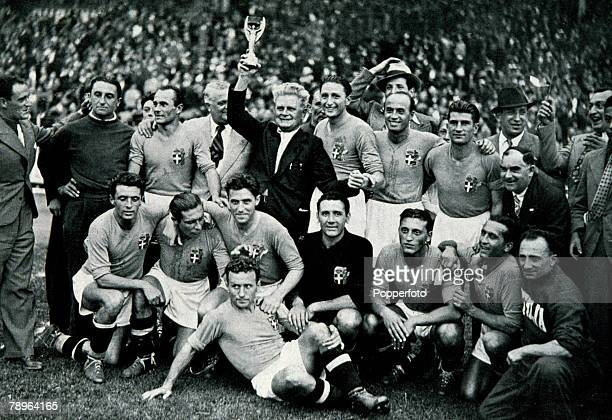 World Cup 1938 Final Paris France 19th June Italy 4 v Hungary 2 The Italy team and staff celebrate with the Jules Rimet trophy after they won the...