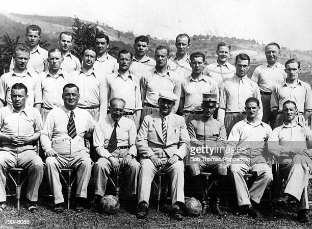 World Cup EighthFinals Italy Sweden 3 v Argentina 2 27th May The Swedish squad and officials pose together prior to playing Argentina