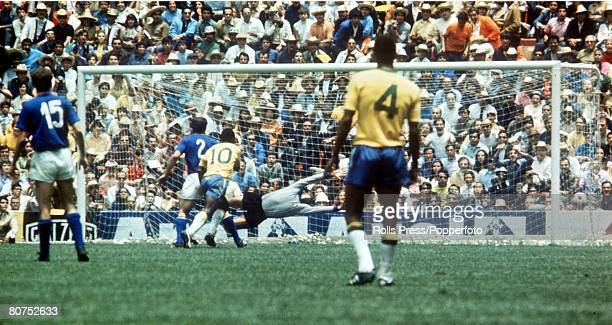 World Cup Final 1970 Mexico City Mexico 21st June Brazil 4 v Italy 1 Brazil's Pele scores the opening goal of the World Cup Final past Italien...