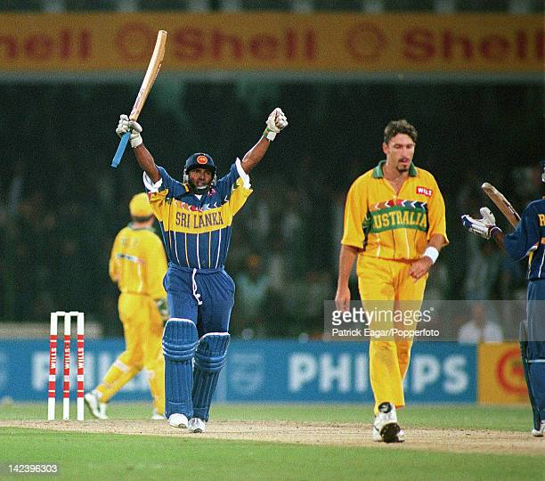 World Cup Final Australia v Sri Lanka Lahore 1996 Aravinda de Silva reaches 100 6664014A