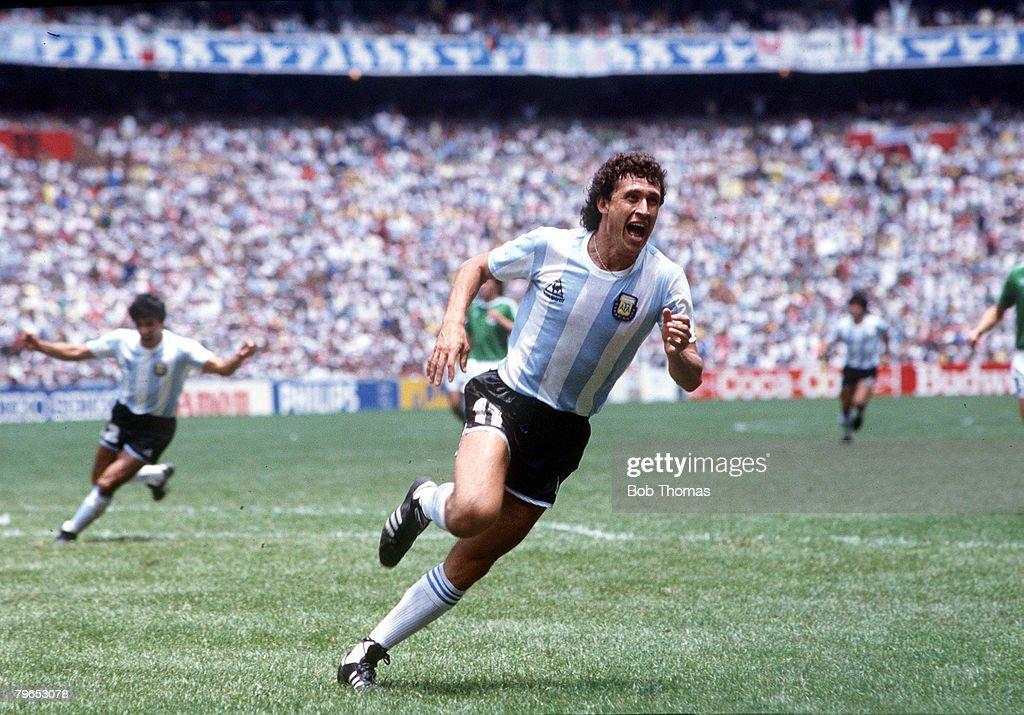 1986 World Cup Final, Azteca Stadium, Mexico, 29th June, 1986, Argentina 3 v West Germany 2, Argentina's Jorge Valdano celebrates after scoring the second goal : News Photo