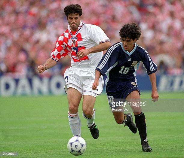 World Cup Final Bordeaux France 26th June Argentina 1 v Croatia 0 Aljosa Asanovic of Croatia with Argentina's Ariel Ortega