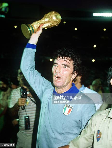 World Cup Final Madrid Spain 11th July Italy 3 v West Germany 1 Italian captain Dino Zoff holds aloft the World Cup trophy after the match