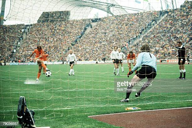 World Cup Final Munich West Germany 7th July West Germany 2 v Holland 1 Holland's Johan Neeskens scores his side's opening goal from the penalty spot...