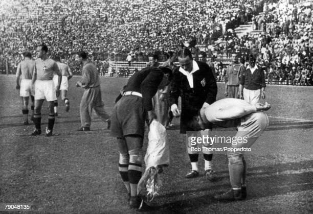 World Cup Final Rome Italy Italy 2 v Czechoslovakia 1 10th June Captains Combi of Italy and Planicka check the coin after the toss at the beginning...